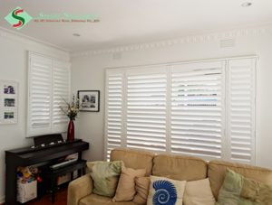 plantation-shutters-in-living-room